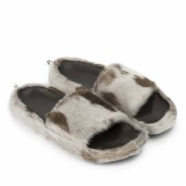 Classic Sandal w. Natural Sealskin